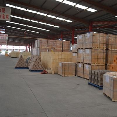 工厂轻质保温砖仓库