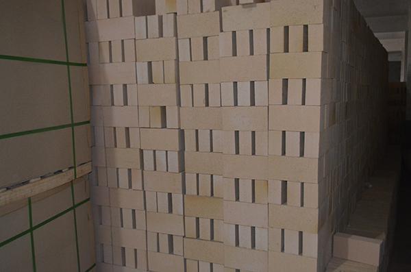 没包装的粘土保温砖